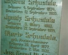 17.Deska v interiéru kaple rodiny Šustalovy